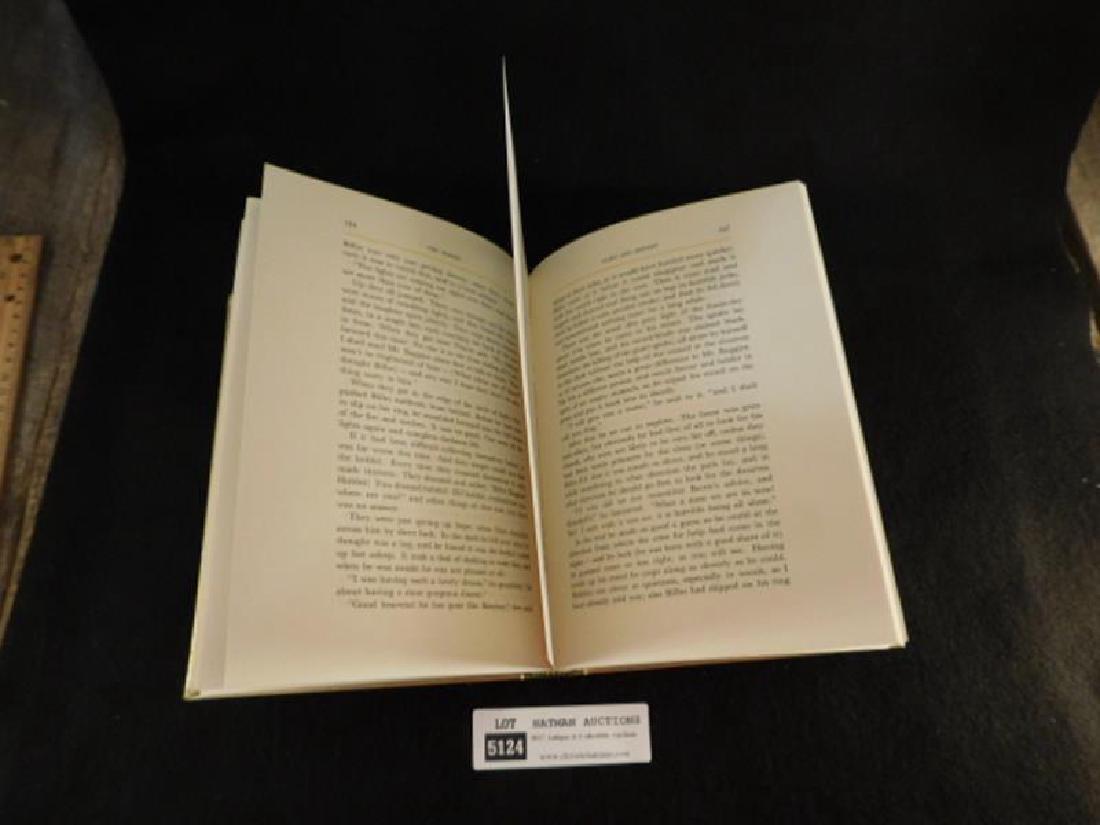 THE HOBBIT J.R.R TOLKIEN BOOK - 3