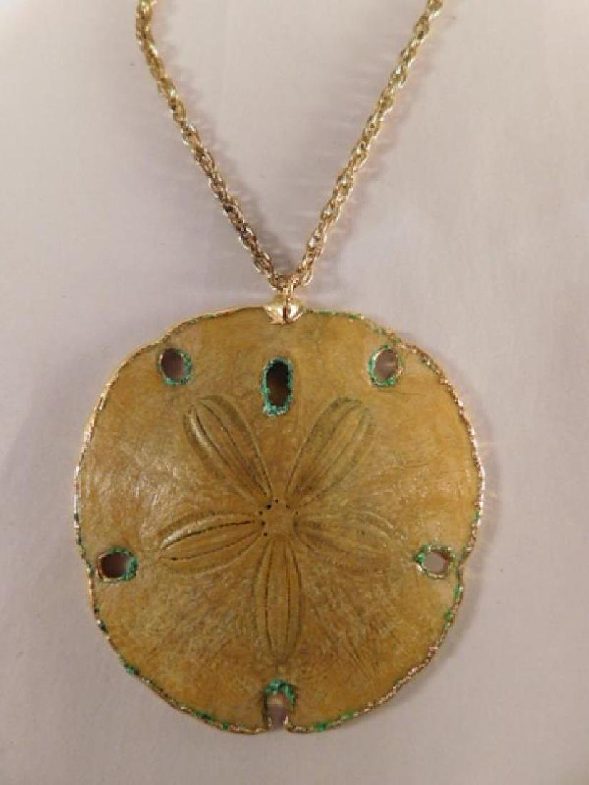 SAND DOLLAR NECKLACE VINTAGE JEWELRY