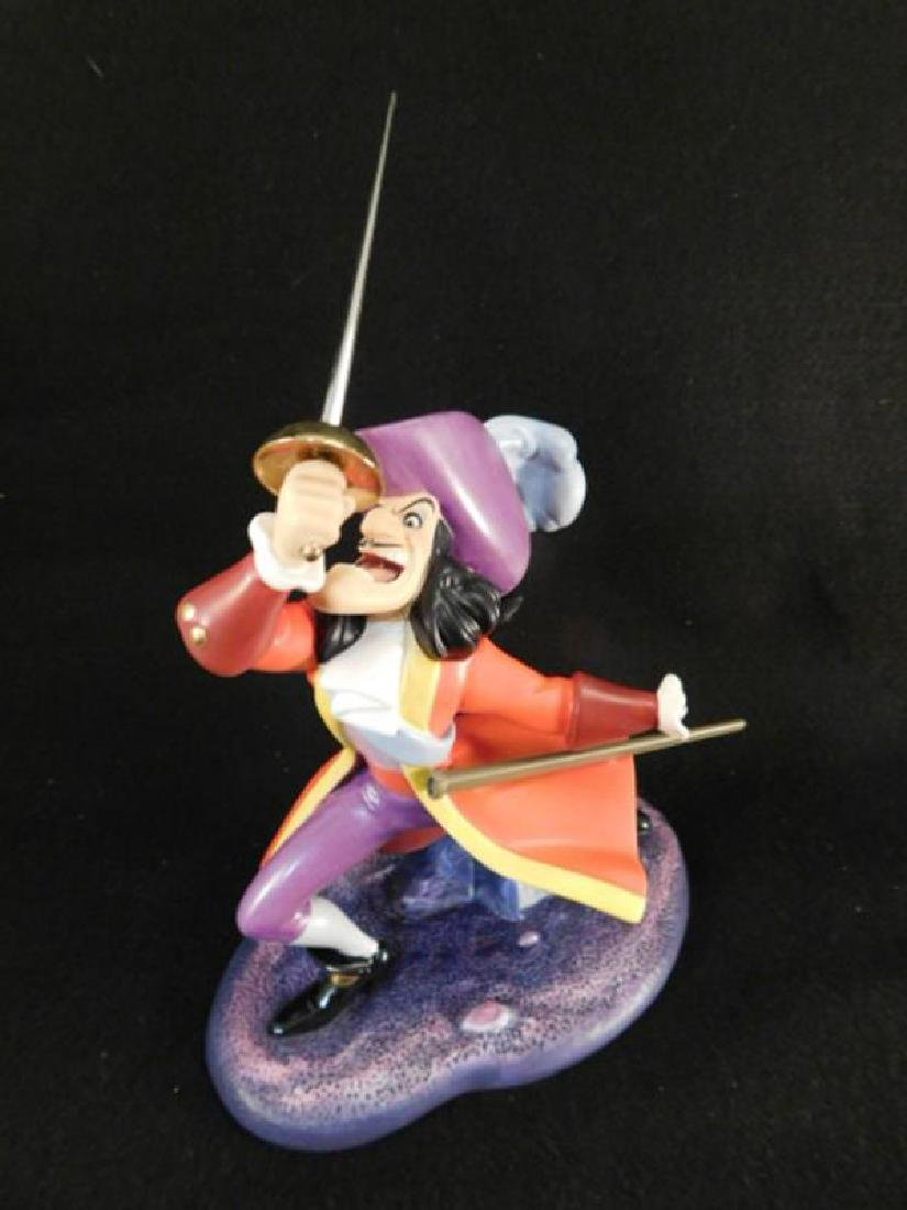 WDCC WALT DISNEY COLLECTORS CLUB PETER PAN CAPTAIN HOOK