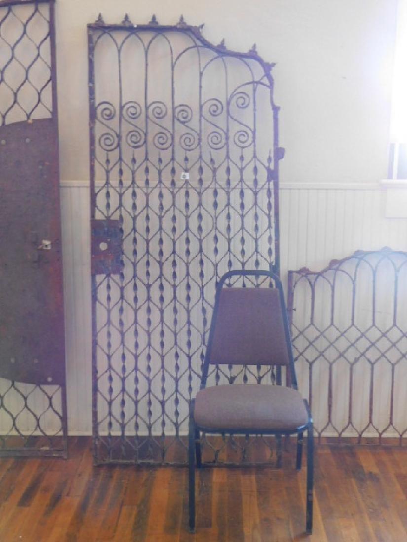 HEAVY WROUGHT IRON GARDEN GATE VICTORIAN 1800S VINTAGE - 2