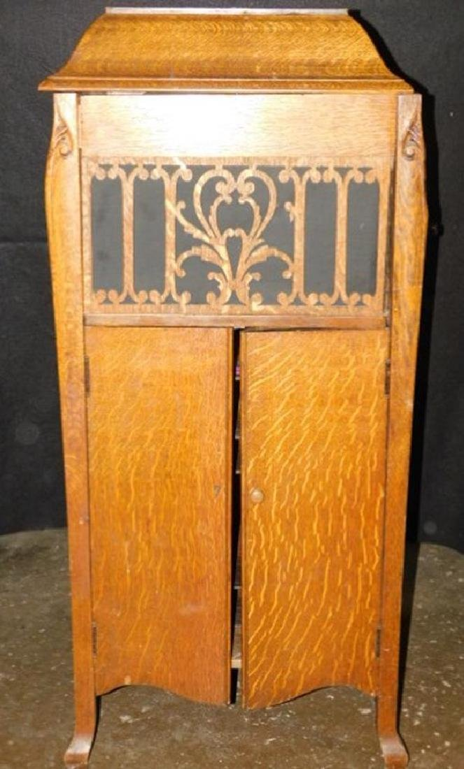 WORKING TIGER OAK ANTIQUE VICTROLA LID IS NOT ATTACHED