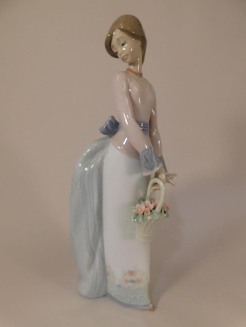 LLADRO FIGURINES (YES, WE SHIP!)
