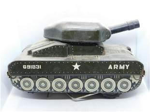 ARMY TANK TIN TOY VINTAGE ANTIQUE TOY