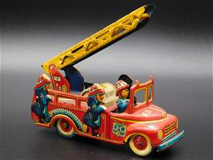 FIRE TRUCK TOY TIN LITHO WINDUP VINTAGE ANTIQUE