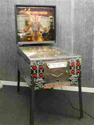 SPACE INVADERS BALLY PINBALL MACHINE WORKS! GREAT SOUND