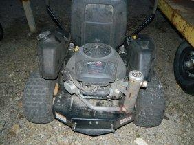 Poulan Pro Zero Turn Mower 22 HP Briggs & Stratton 48