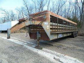 Gooseneck Brand Cattle Trailer 32 foot Triple Axle