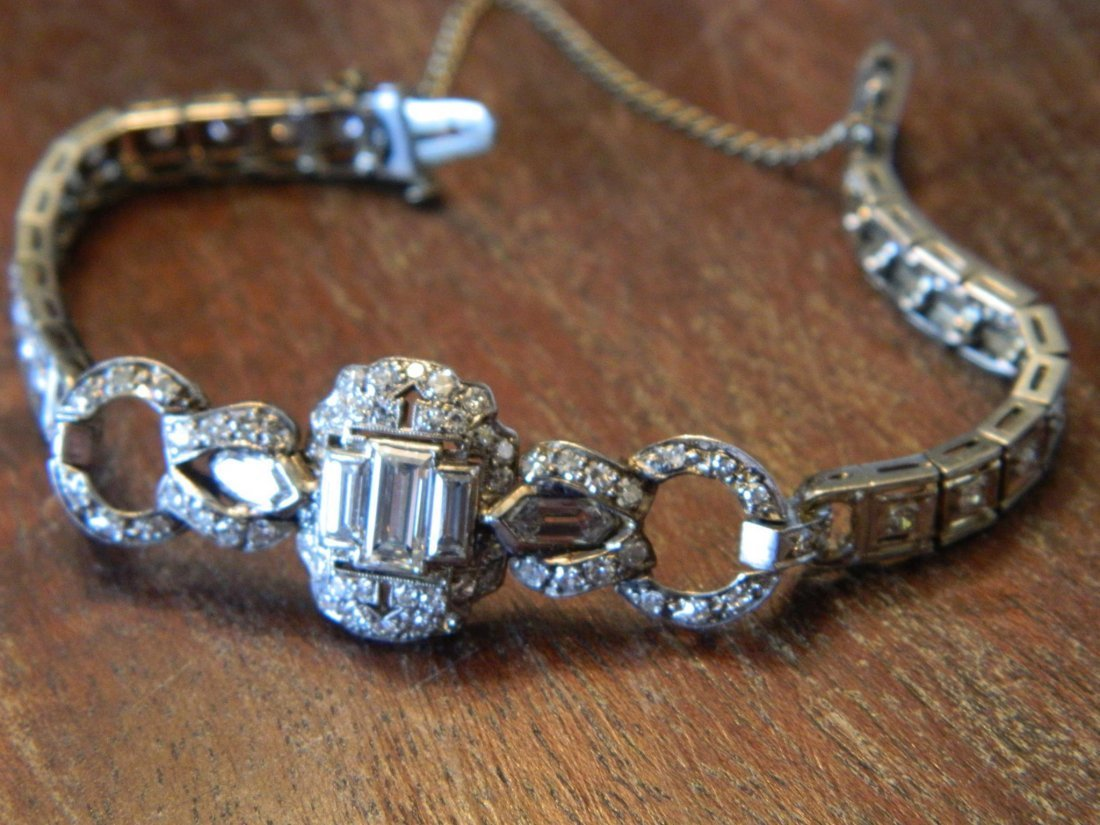 STUNNING ART DECO DIAMOND AND PLATINUM LADIES BRACELET