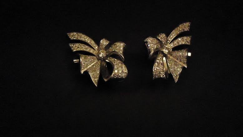 FRENCH PLATINUM EARCLIPS WITH DIAMONDS