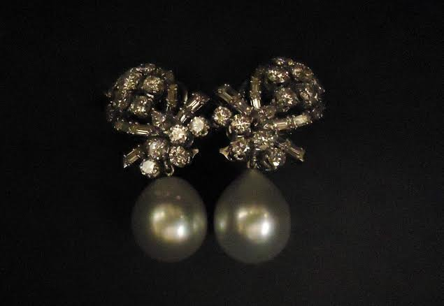 FRENCH PLATINUM EARRINGS WITH DIAMONDS & PEARLS