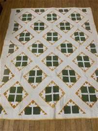 Antique Quilt - Irish Green Pattern Nice, with pie cut