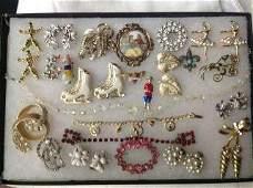Costume Jewelry Lot Brooches, bracelets, earrings &