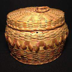 """Native Iroquois Indian Basket Hand Woven, measures 8"""""""