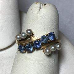 Vintage 14kt Yellow Gold Ring w/ Blue Sapphires & Seed
