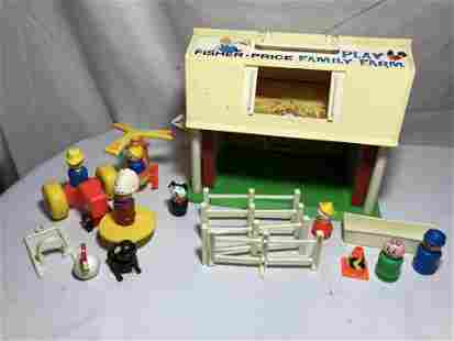 Fisher Price Family Play Farm .