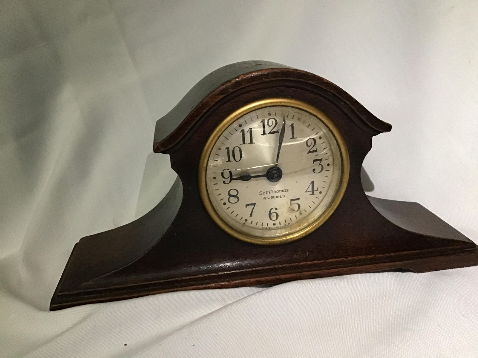 Seth Thomas Mantle Clock Measures 8 inches wide by 2.5