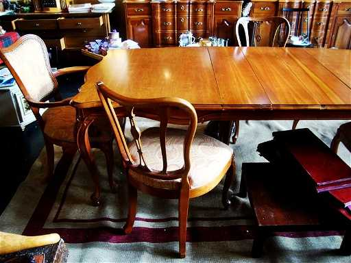 - ANTIQUE DINING Table Chairs Set, UNION NATIONAL INC.