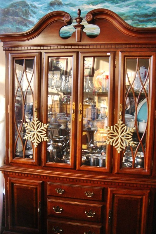 Wooden China Cabinet, Mirrored with Glass Shelves