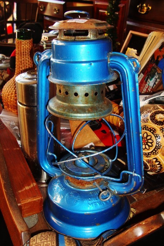 Blue Antique Kerosene Lamp