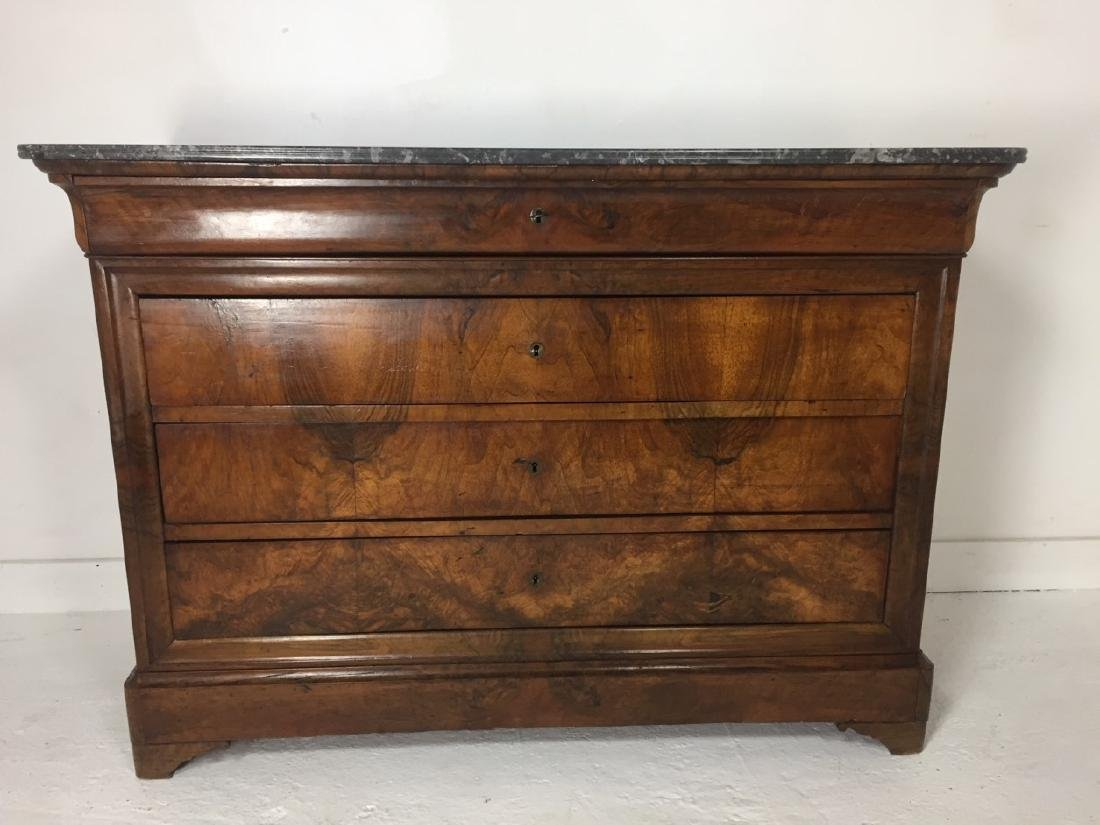 LOUIS PHILIPPE FIGURED WALNUT M/TOP COMMODE