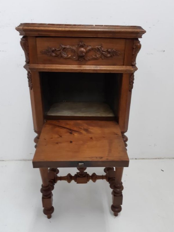 FRENCH PROVINCIAL WALNUT M/TOP CHEVET - 2