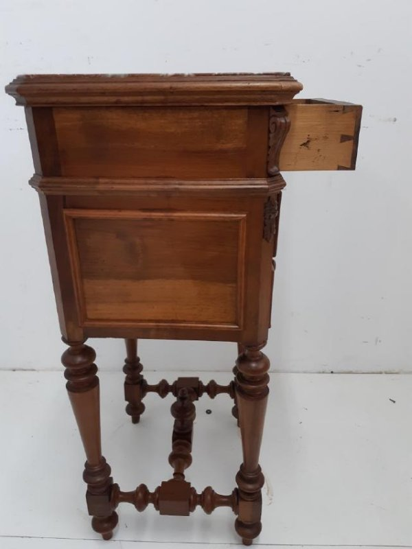 FRENCH PROVINCIAL WALNUT M/TOP CHEVET - 3
