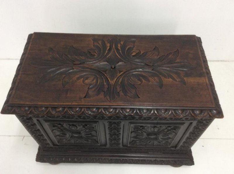 PROVINCIAL FRENCH CARVED OAK KINDLING CHEST - 2