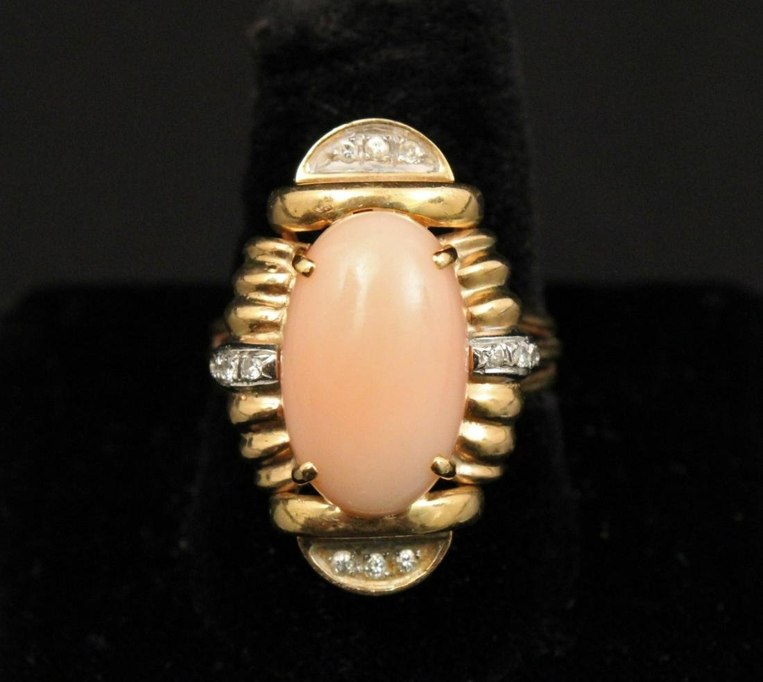 18K Y/G AND PINK OPAL LADY'S RING;  11.1 GR TW