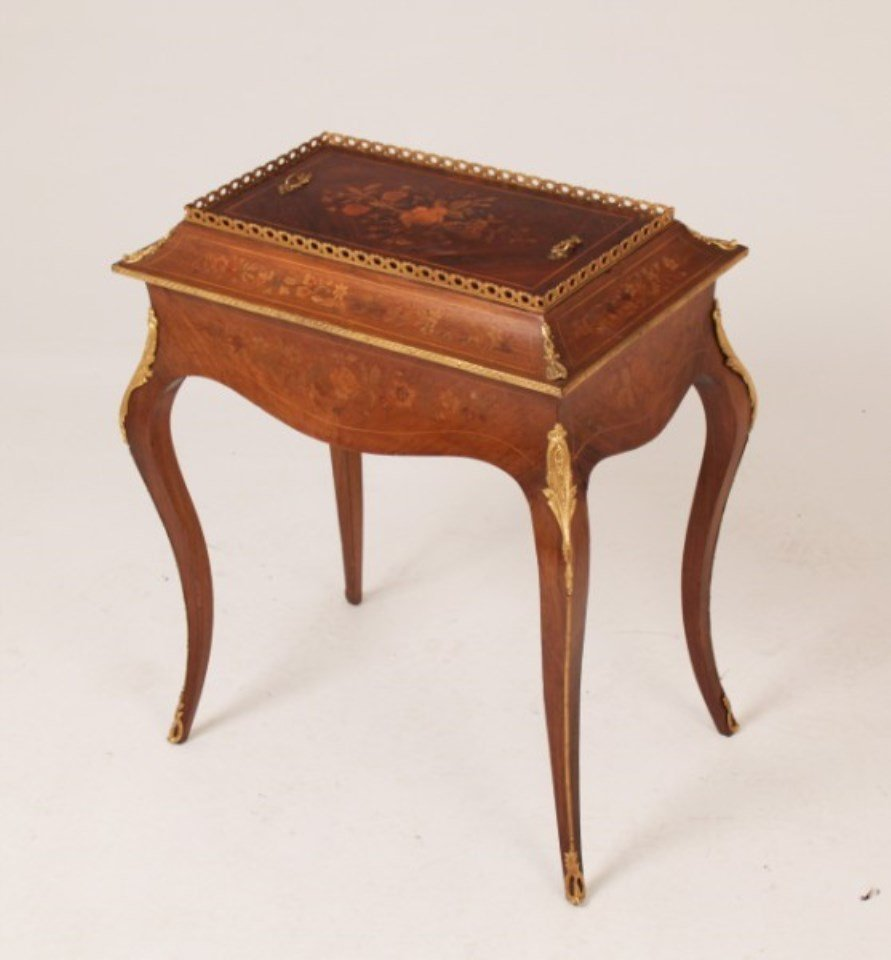 19TH C. LOUIS XV STYLE MARQUETRY INLAID JARDINIERE ON
