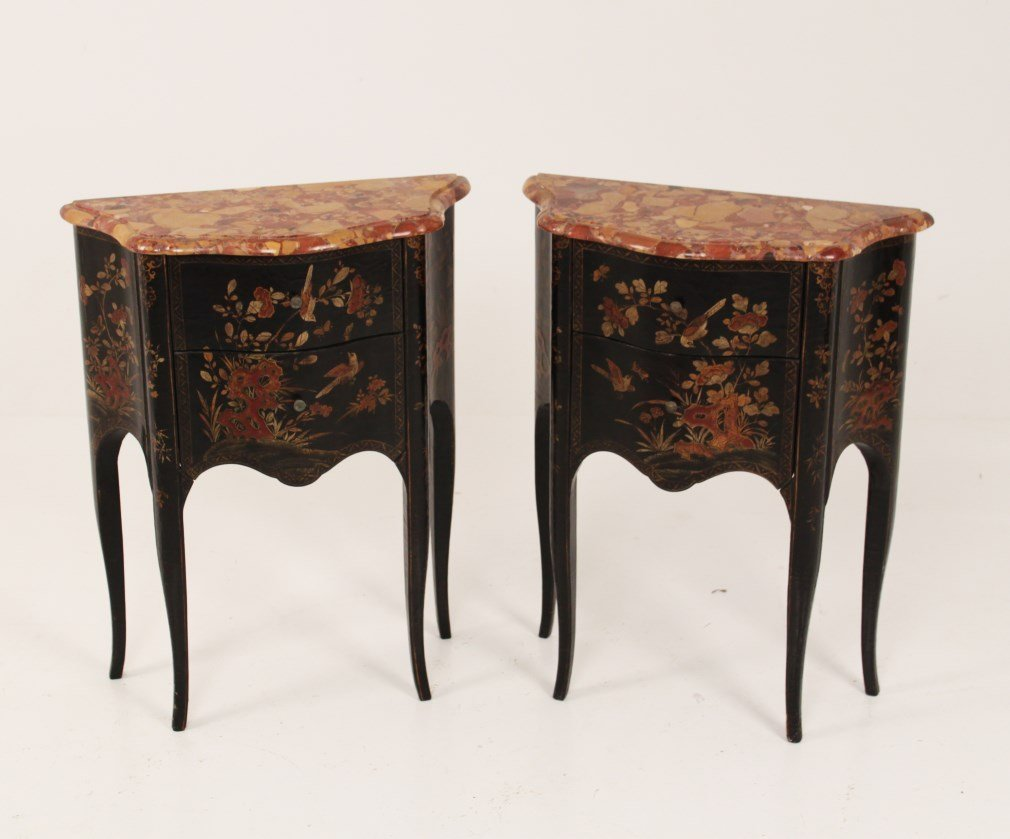 PAIR OF LOUIS XV STYLE SERPENTINE BLACK LACQUERED