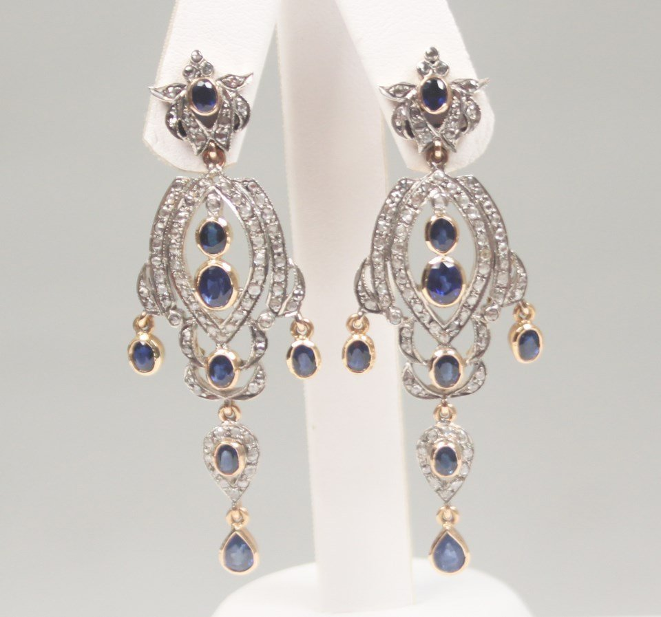 PAIR OF 18K DIAMOND AND BLUE SAPPHIRE DANGLE EARRINGS