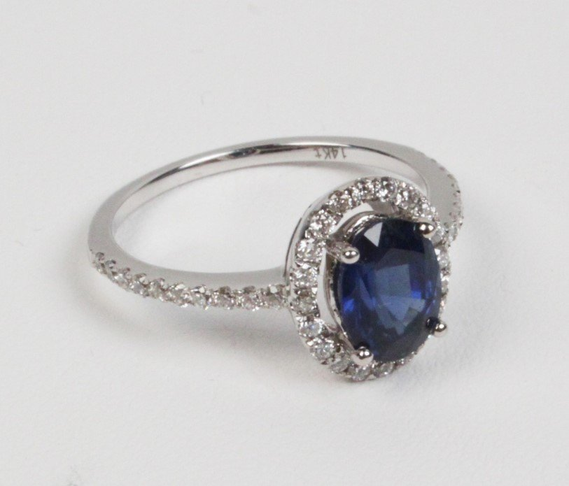 14K DIAMOND AND BLUE SAPPHIRE LADIES RING