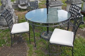 Brown Jordan Umbrella Table With 4 Side Chairs