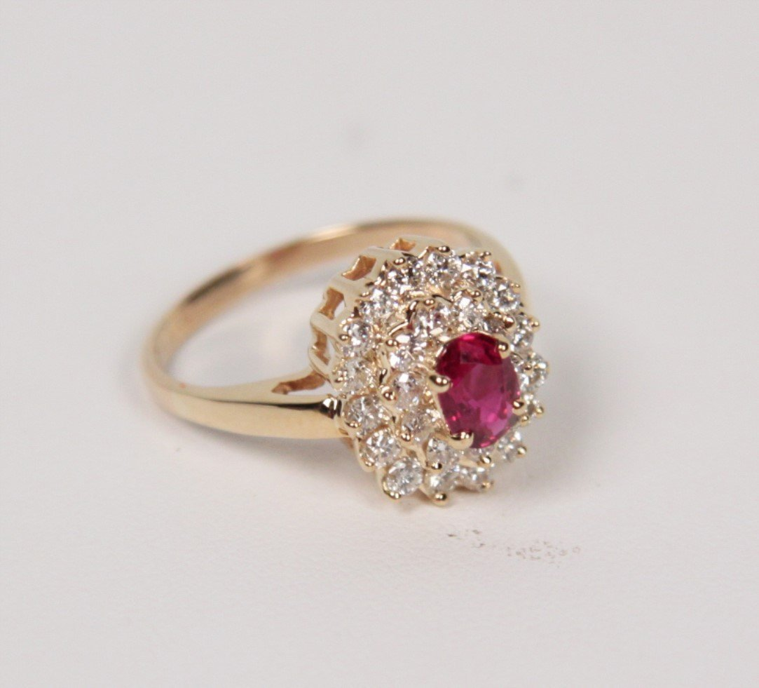 14K DIAMOND AND RUBY LADY'S DINNER RING