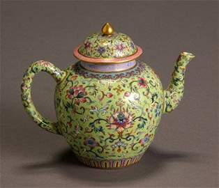 1072: Chinese 'Famille Rose' Green Ground Teapot Daogua