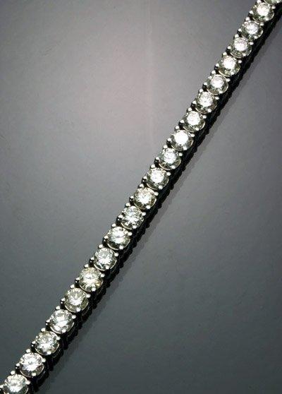 1074: 14K White Gold Diamond Tennis Bracelet
