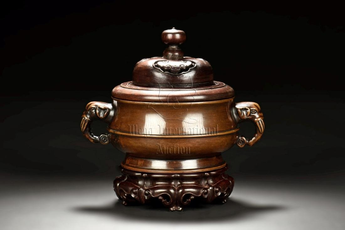 MAGNIFICENT AND RARE BRONZE CENSER WITH ELEPHANT
