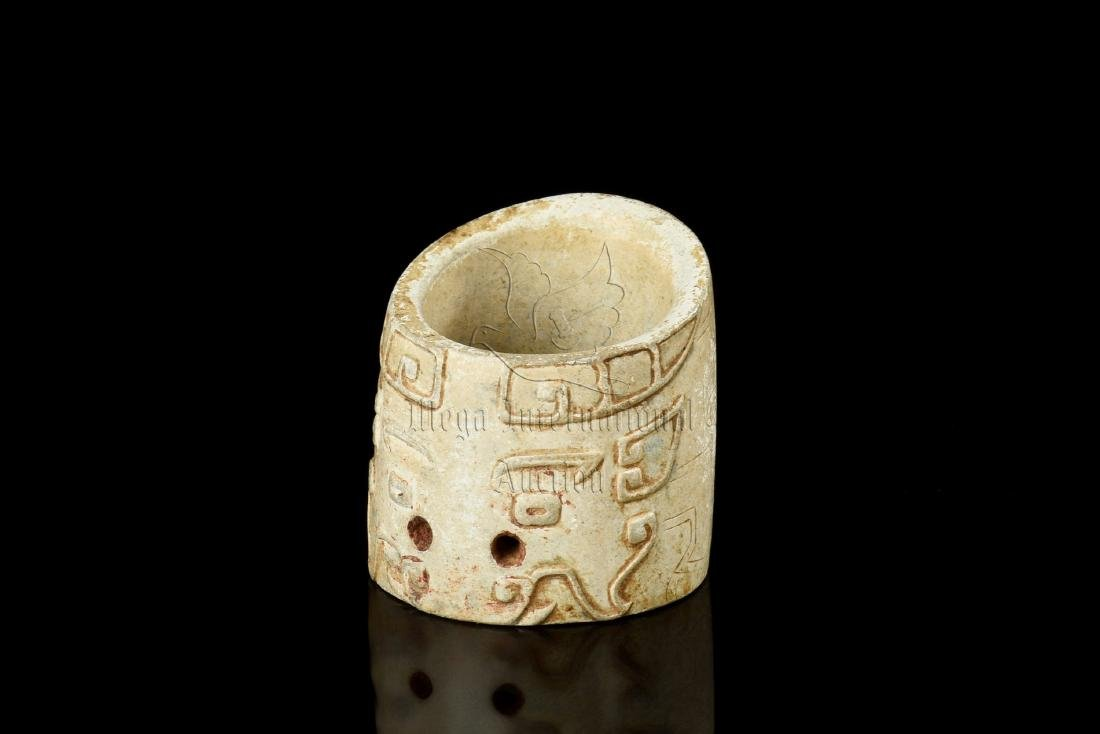 JADE CARVED TAOTIE MASK THUMB RING