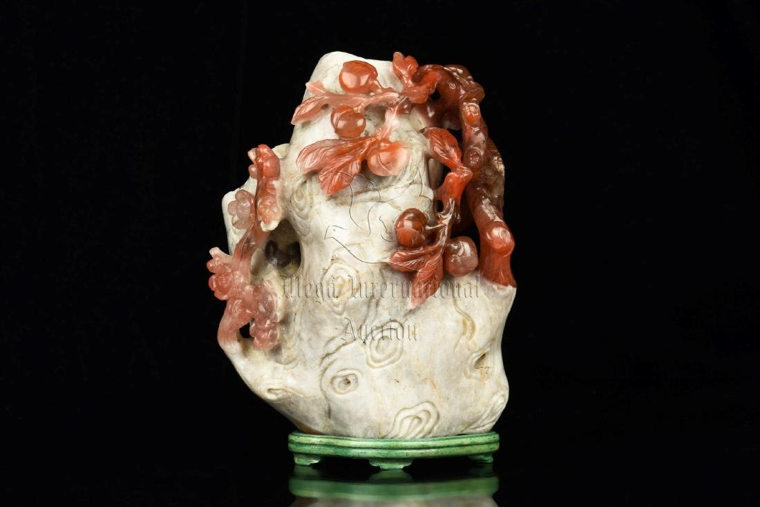 CLEVERLY CARVED NANHONG AGATE 'FLOWERS' FIGURE