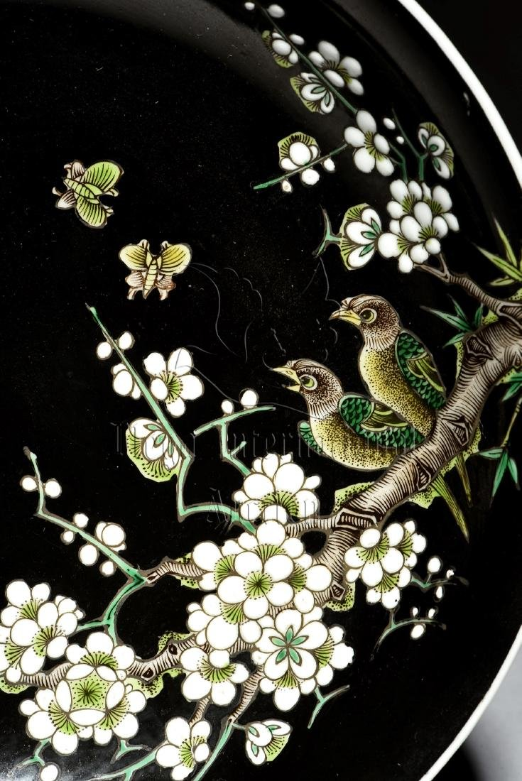 FAMILLE ROSE BLACK GROUND 'BIRDS & FLOWERS' DISH - 3