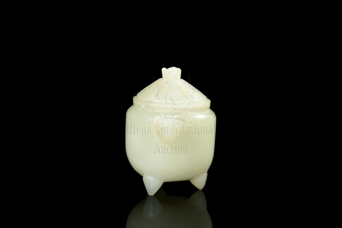 JADE CARVE TRIPOD CENSER WITH COVER - 2