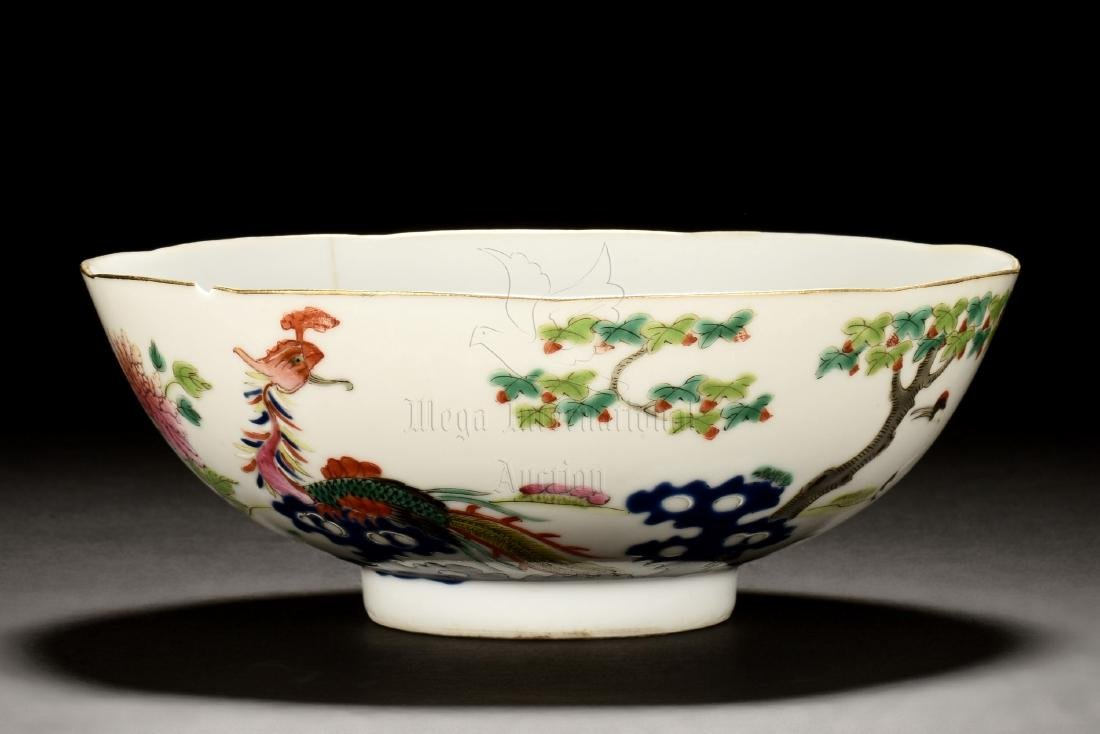 FAMILLE ROSE 'FLOWERS AND BIRDS' BOWL