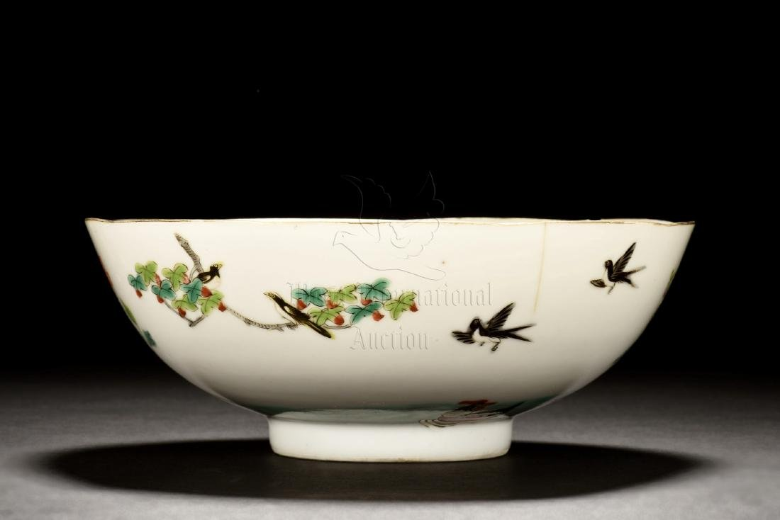 FAMILLE ROSE 'FLOWERS AND BIRDS' BOWL - 2