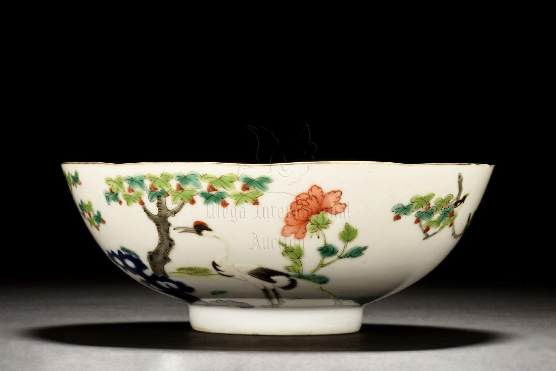 FAMILLE ROSE 'FLOWERS AND BIRDS' BOWL - 3