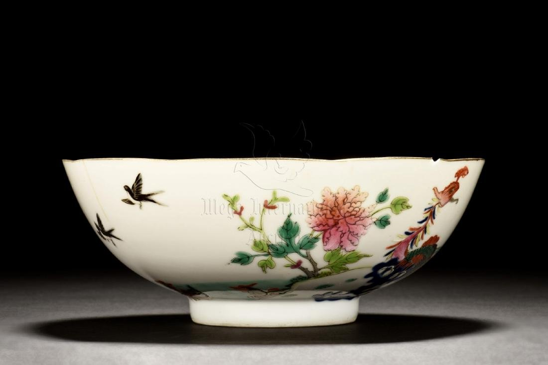 FAMILLE ROSE 'FLOWERS AND BIRDS' BOWL - 4