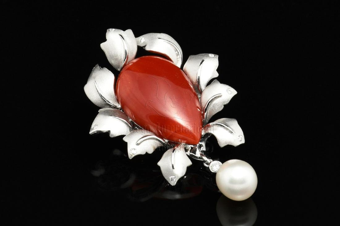 AKA RED CORAL AND PEARL PENDANT/BROOCH