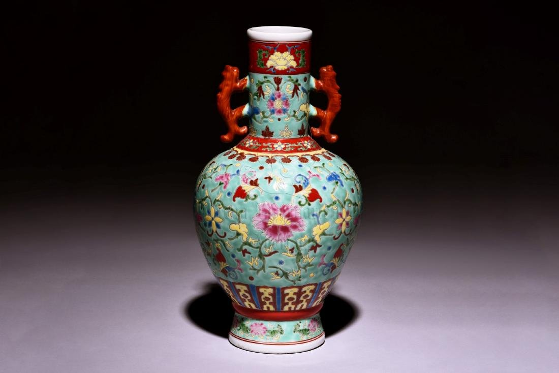 A RARE, VERY BRIGHTLY FAMILLE ROSE DECORATED VASE