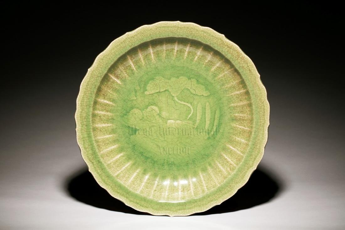 LARGE LONGQUAN WARE GREEN GLAZED FLORIFORM CHARGER