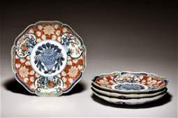 SET OF FOUR JAPANESE IMARI WARE PLATES