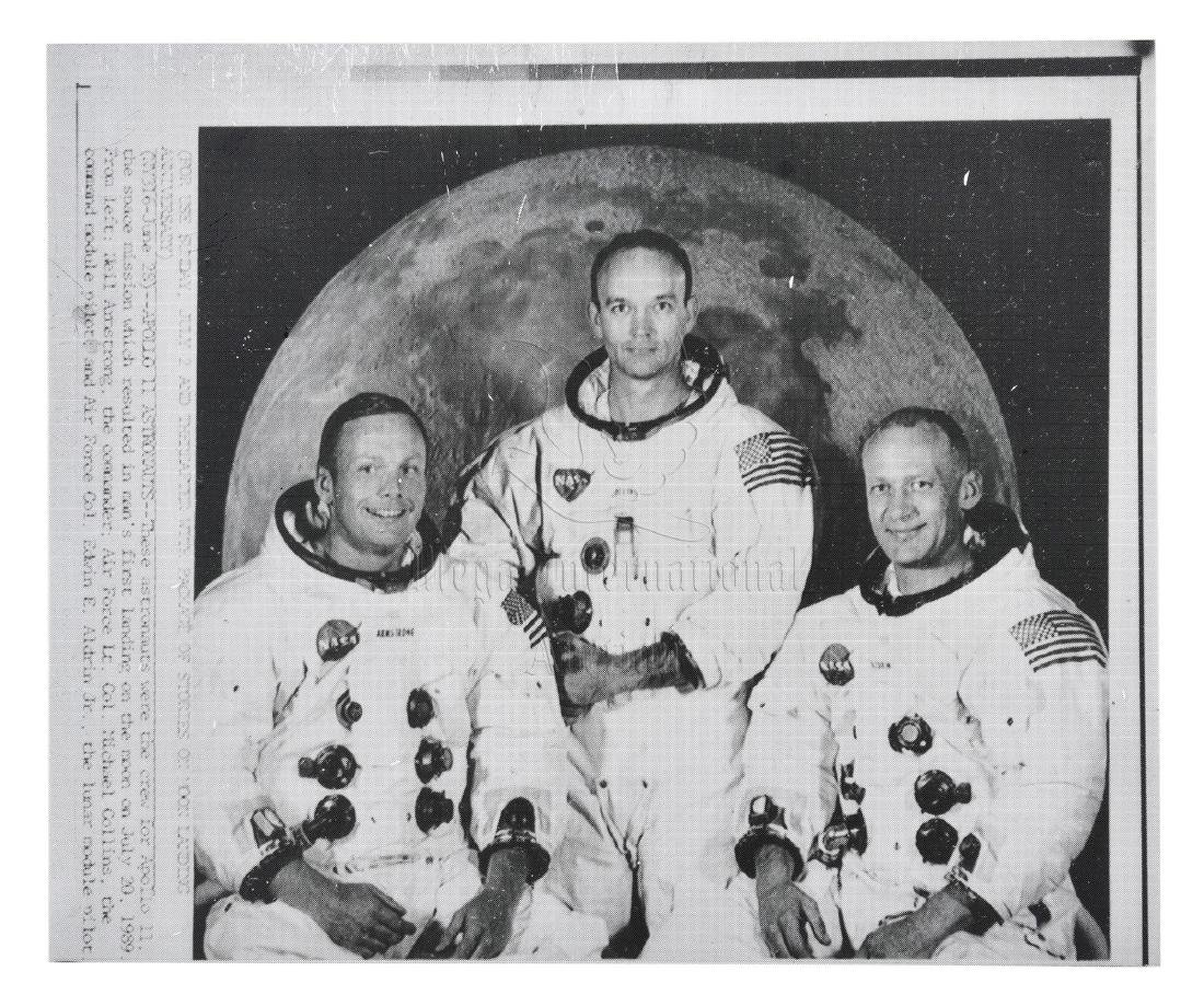 ASTRONAUT NEIL ARMSTRONG SIGNED PHOTO - 4
